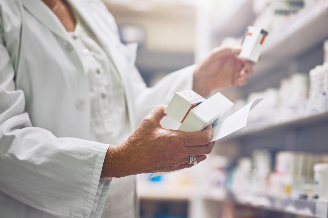A doctor may prescribe antibiotics to treat chlamydia in men.