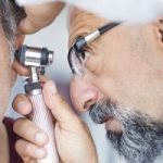 How an audiologist recommends the perfect hearing aids for you