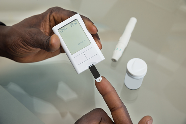 Glucose Meter and Safety Strip (600x400)