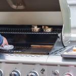 How to clean the barbecue